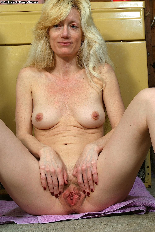 blonde hardcore trannie porn